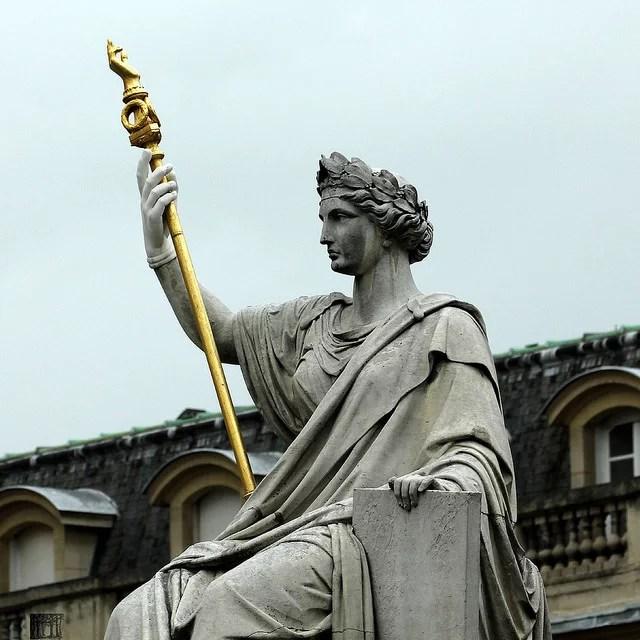 La Loi, statue au Palais Bourbon (Crédits jan buchholtz, licence CC-BY-NC-ND 2.0), via Flickr.