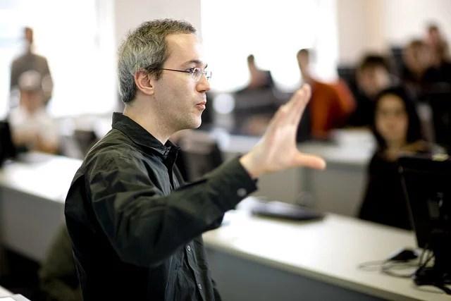 Professeur d'université (Crédits : Université de Montréal, licence CC-BY-NC-SA 2.0), via Flickr.