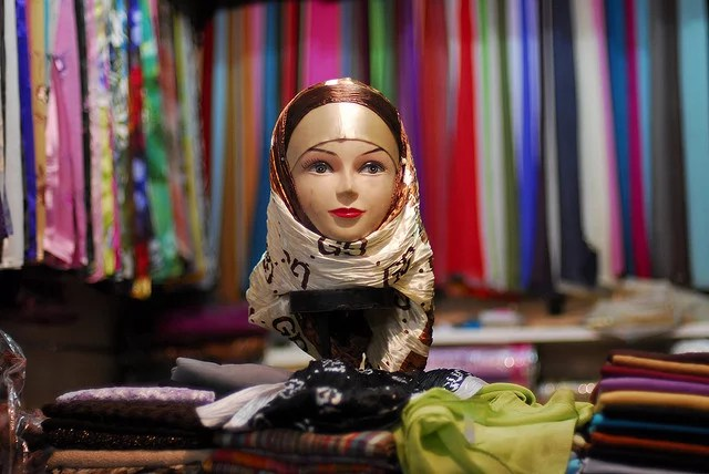 Marrakech souk credits Admanchester (CC BY-NC-ND 2.0)