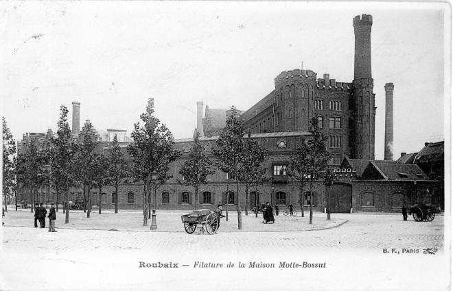 """La filature Motte-Bossut appelée """"l'usine monstre"""", carte postale."""