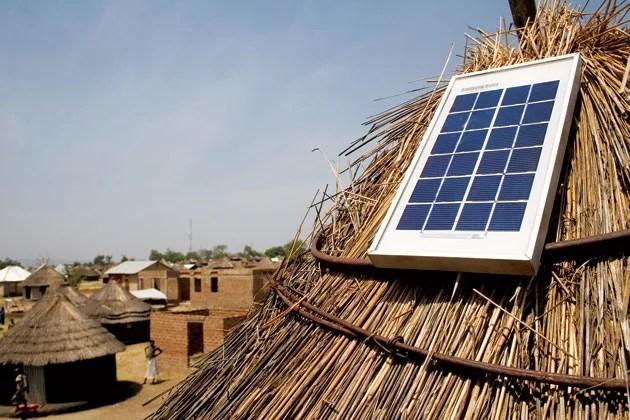 Centrale électrique de dépannage au Rwanda (Crédits : DIVatUSAID, licence CC-BY-NC-NC 2.0), via Flickr.