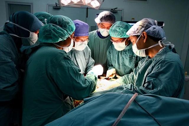 Phalinn Ooi-medical operative photo(CC BY 2.0)