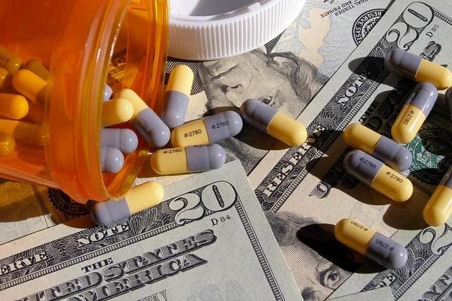 cotisations-Chris Potter-Prescription Prices(CC BY 2.0)