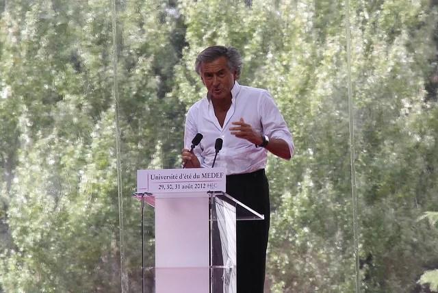 Bernard Henri Lévy (BHL) aux Universités d'été du Medef (Crédits : Pierre Metivier, CC-BY-NC 2.0)