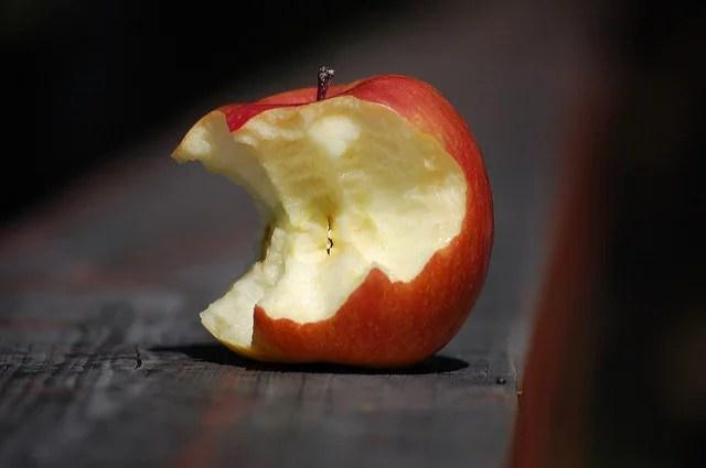 Message à la communauté Apple-Half-eaten apple by Filosoph(CC BY-NC 2.0)