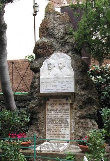 https://i0.wp.com/www.controluce.it/vecchio/images/stories/Monte_Compatri/monumenti/78-cad.-fosse-ardeatine28.jpg?w=900