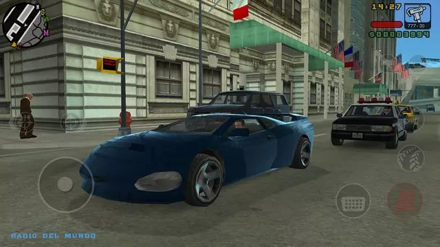 Grand Theft Auto Liberty City Stories fugindo da polícia