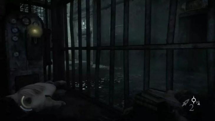 Garrett acionando as portas do manicômio