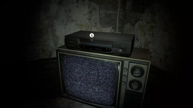 TV de tubo e videocassete: o grande revelador dos mistérios de Mia e da família Baker