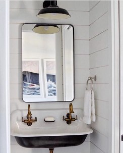 Modern Farmhouse Bathroom Remodel Ideas 03