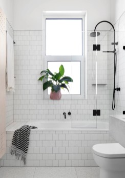 Modern Farmhouse Bathroom Remodel Ideas 30