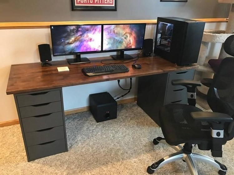 Unique Gaming Desk Computer Setup Ideas 45