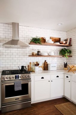Cute Farmhouse Kitchen Backsplash Ideas 35