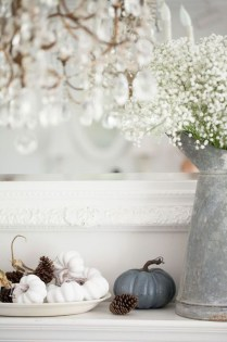 Lovely White Fall Decor Ideas For Interior Design 43