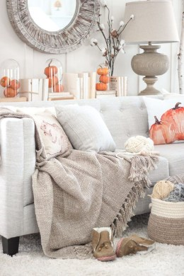 Lovely White Fall Decor Ideas For Interior Design 46