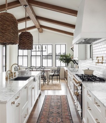 Stunning Farmhouse Kitchen Color Ideas 43
