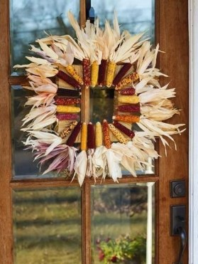 Stylish Fall Wreaths Ideas With Corn And Corn Husk For Door 03