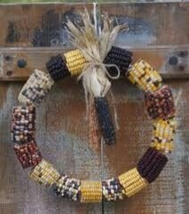 Stylish Fall Wreaths Ideas With Corn And Corn Husk For Door 16