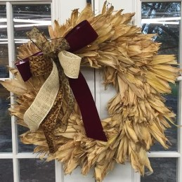 Stylish Fall Wreaths Ideas With Corn And Corn Husk For Door 45