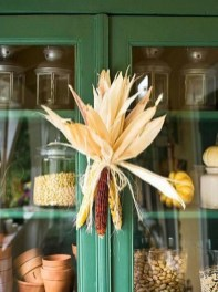 Stylish Fall Wreaths Ideas With Corn And Corn Husk For Door 54