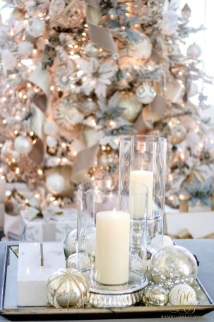 Adorable Gold Christmas Decoration Ideas 54