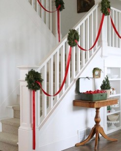 Beautiful Christmas Stairs Decoration Ideas 11