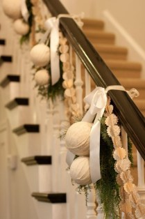 Beautiful Christmas Stairs Decoration Ideas 23