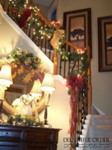 Beautiful Christmas Stairs Decoration Ideas 30