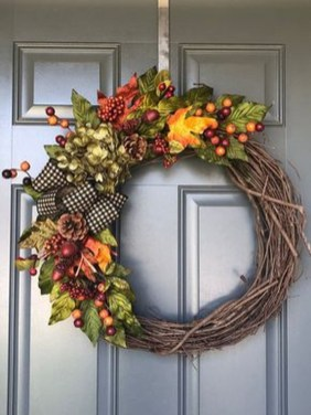 Brilliant Christmas Front Door Decor Ideas 30