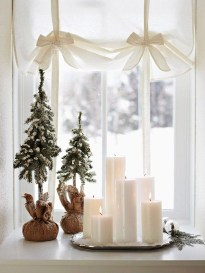 Fascinating Christmas Decor Ideas For Small Spaces 39