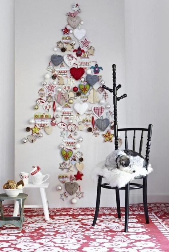 Fascinating Christmas Decor Ideas For Small Spaces 50