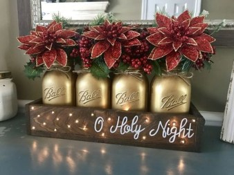 Inspiring Christmas Centerpiece Ideas 26