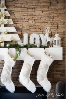Lovely Traditional Christmas Decorations Ideas 28