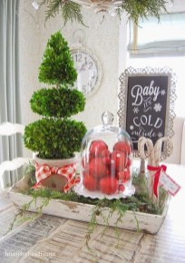 Lovely Traditional Christmas Decorations Ideas 38