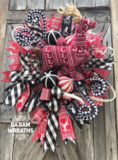 Magnificient Rustic Christmas Decorations And Wreaths Ideas 08