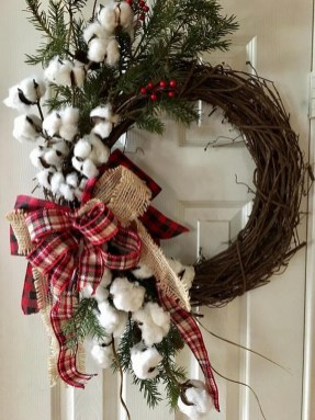 Magnificient Rustic Christmas Decorations And Wreaths Ideas 21