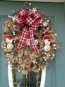 Magnificient Rustic Christmas Decorations And Wreaths Ideas 52