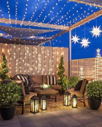 Stunning Balcony Decor Ideas For Christmas 15