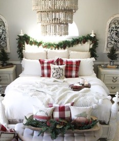 Stunning Christmas Bedroom Decor Ideas 03