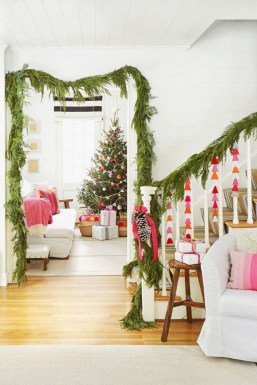 Wonderful Red Christmas Decoration Ideas 20