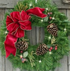 Awesome Christmas Wreath Decoration Ideas For Your Home 05