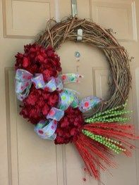 Awesome Christmas Wreath Decoration Ideas For Your Home 16
