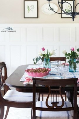 Charming Dining Room Decor Ideas For Valentines Day 08