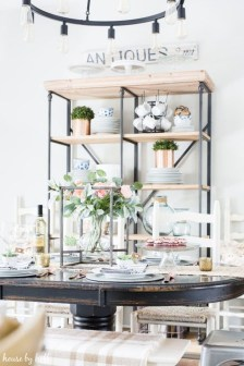 Charming Dining Room Decor Ideas For Valentines Day 25