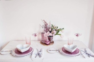 Charming Dining Room Decor Ideas For Valentines Day 38