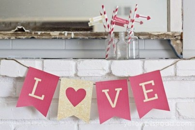 Comfy Valentine Decor Ideas For This Year 18