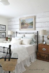 Stylish Farmhouse Bedroom Decor Ideas 42