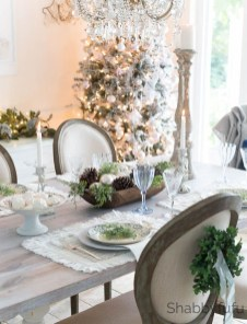 Amazing French Country Dining Room Table Decor Ideas 47