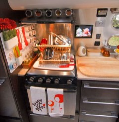 Amazing Travel Trailers Remodel Rv Living Ideas 18