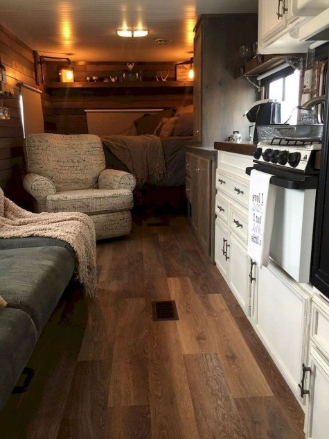 Amazing Travel Trailers Remodel Rv Living Ideas 34